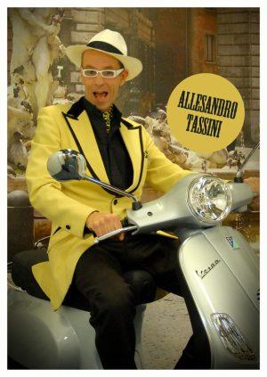 Alessandro Tassini op z'n scooter